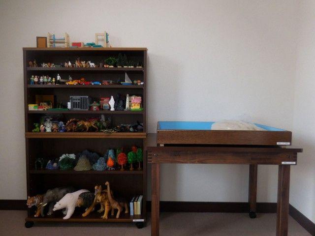 助成金を活用して箱庭療法用具を設置しました