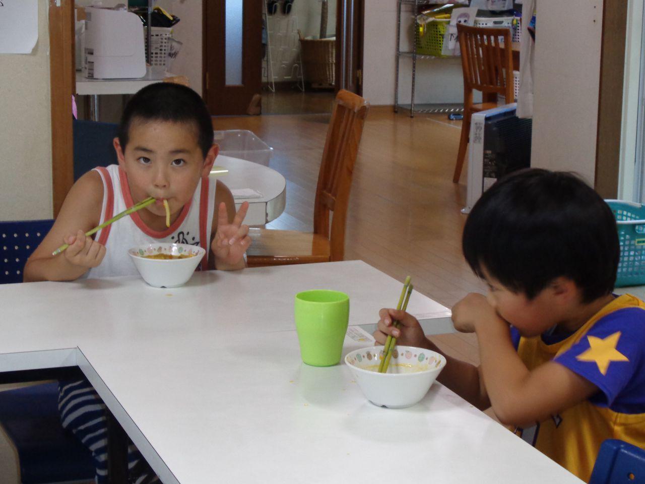 茅箸(かやばし)でおやつを食べたよ